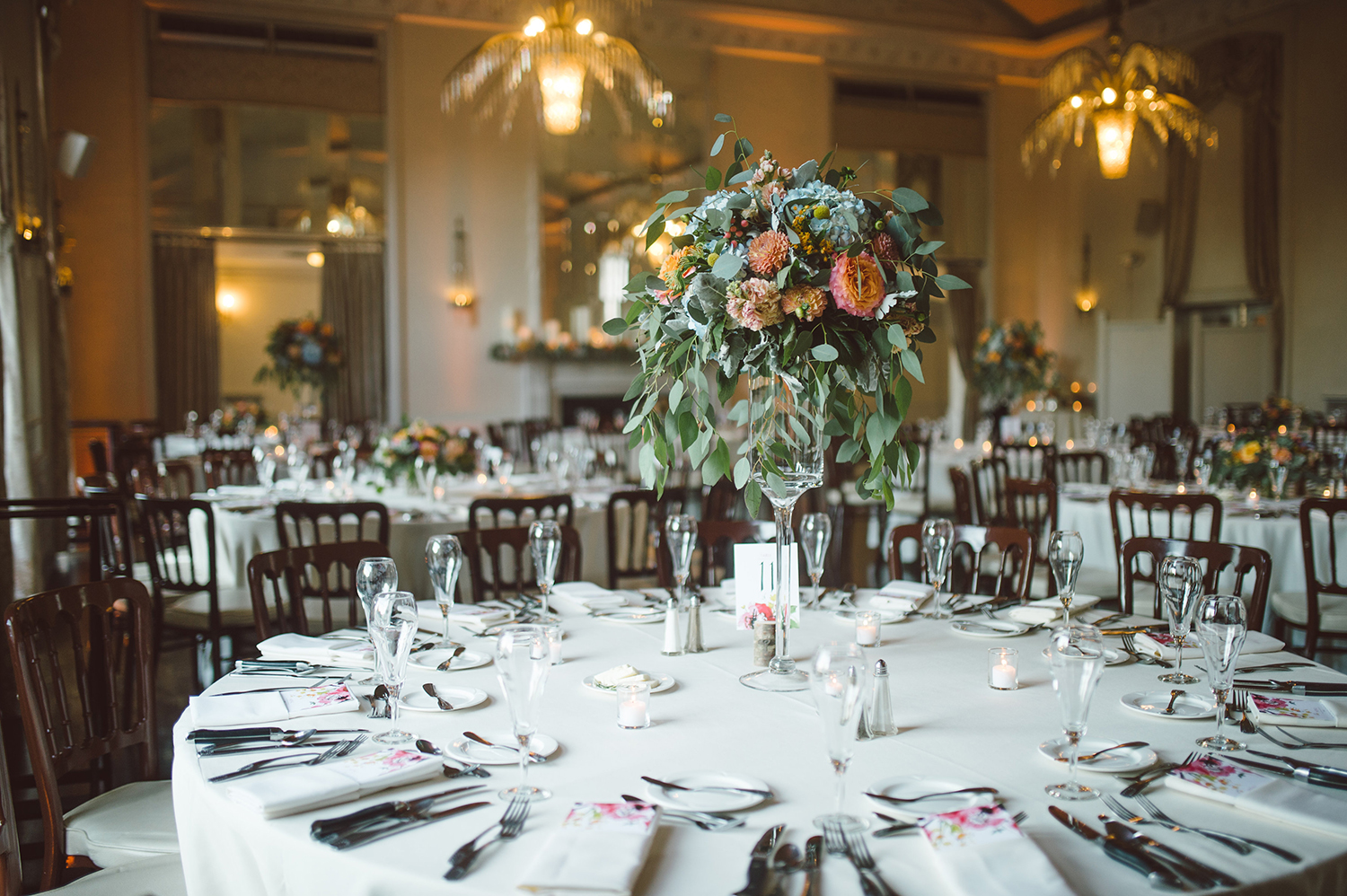 new-haven-lawn-club-wedding-candis-floral-creations-13