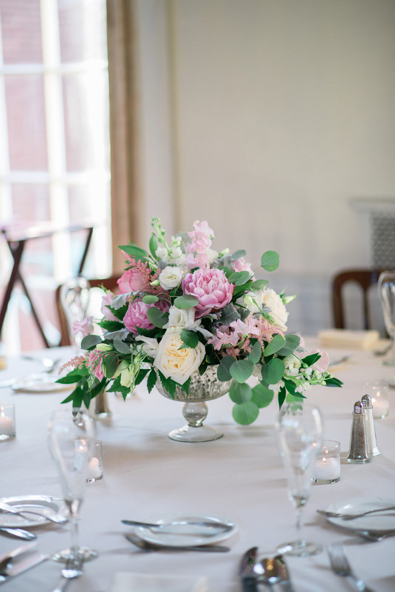new-haven-lawn-club-wedding-candis-floral-creations-9