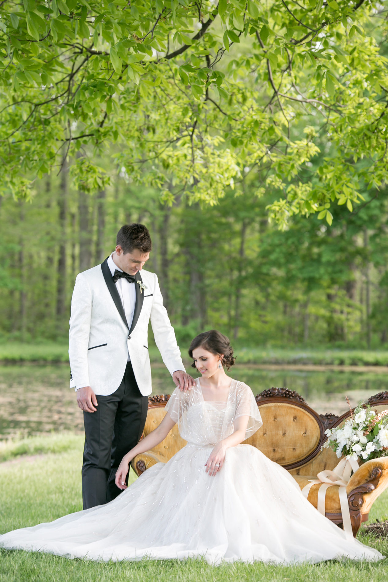 hickory-hill-orchards-wedding-candis-floral-creations-10