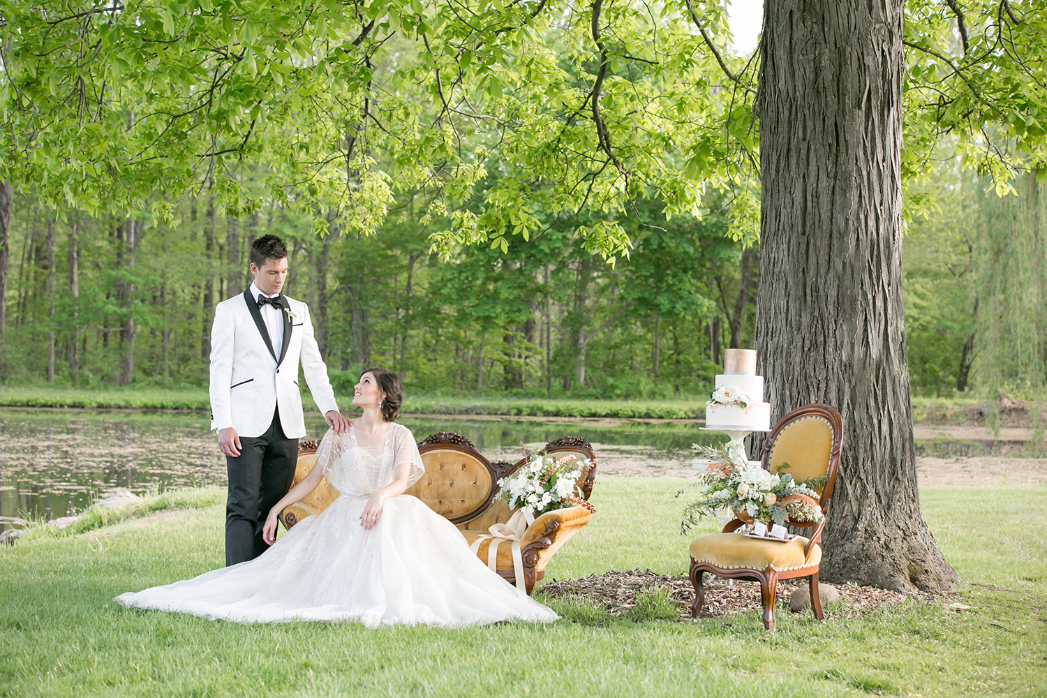 hickory-hill-orchards-wedding-candis-floral-creations-9