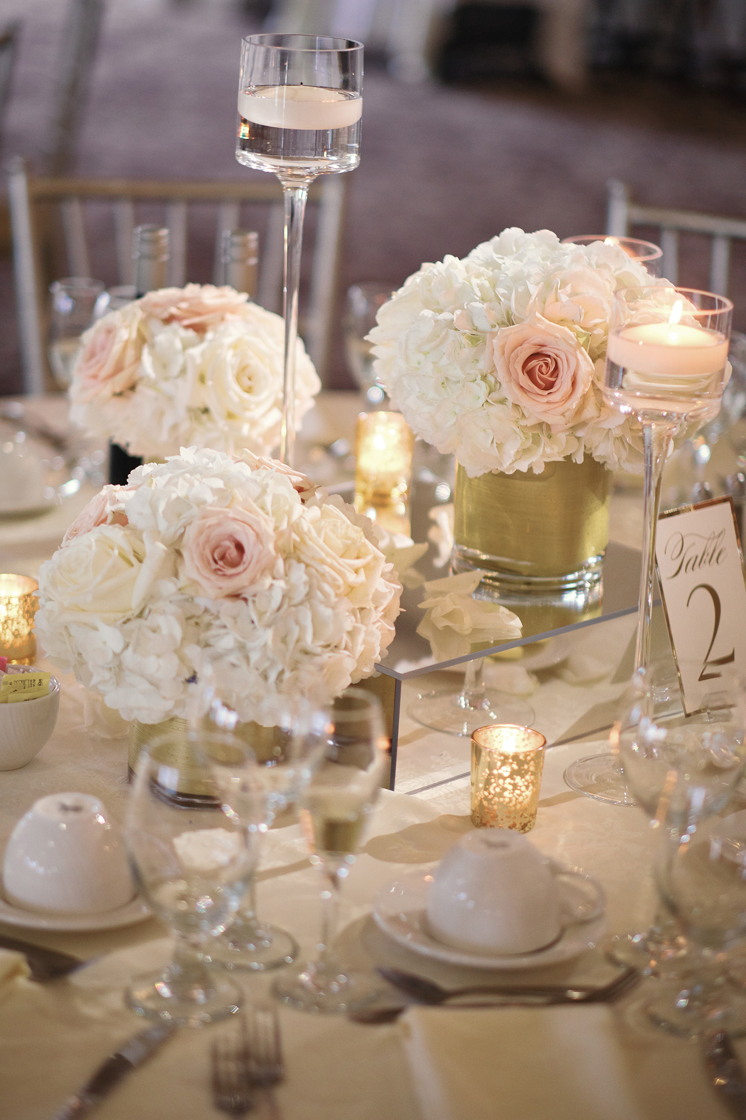 aria-banquets-wedding-flowers-12