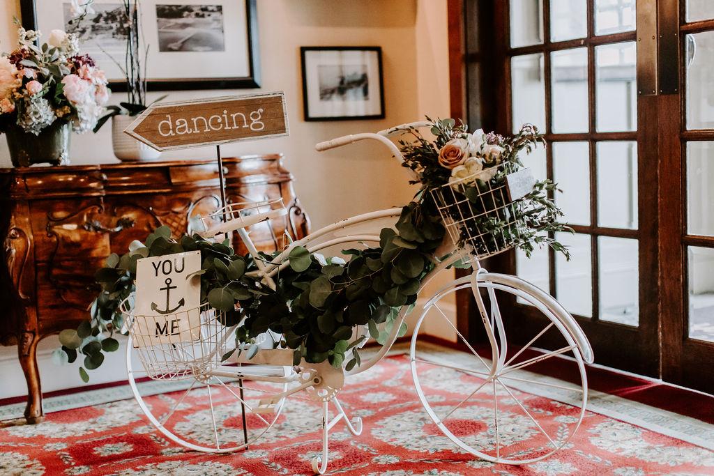 saybrook-point-inn-and-spa-wedding-flowers-11