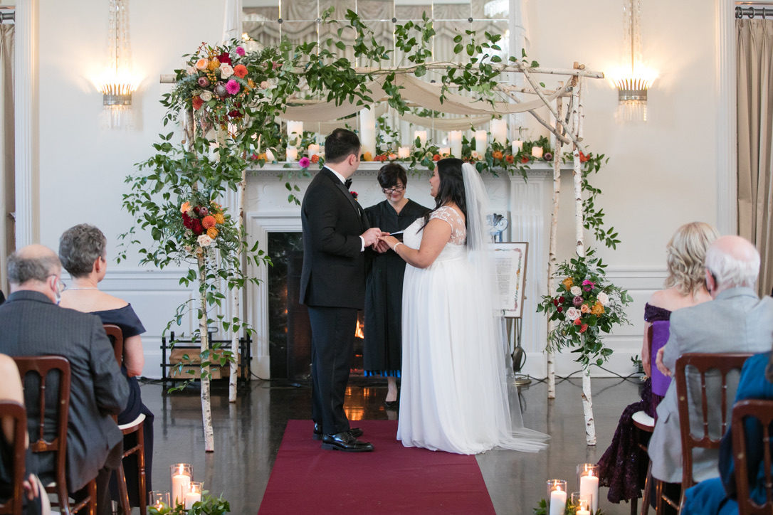new-haven-lawn-club-wedding-flowers-candis-floral-creations-5