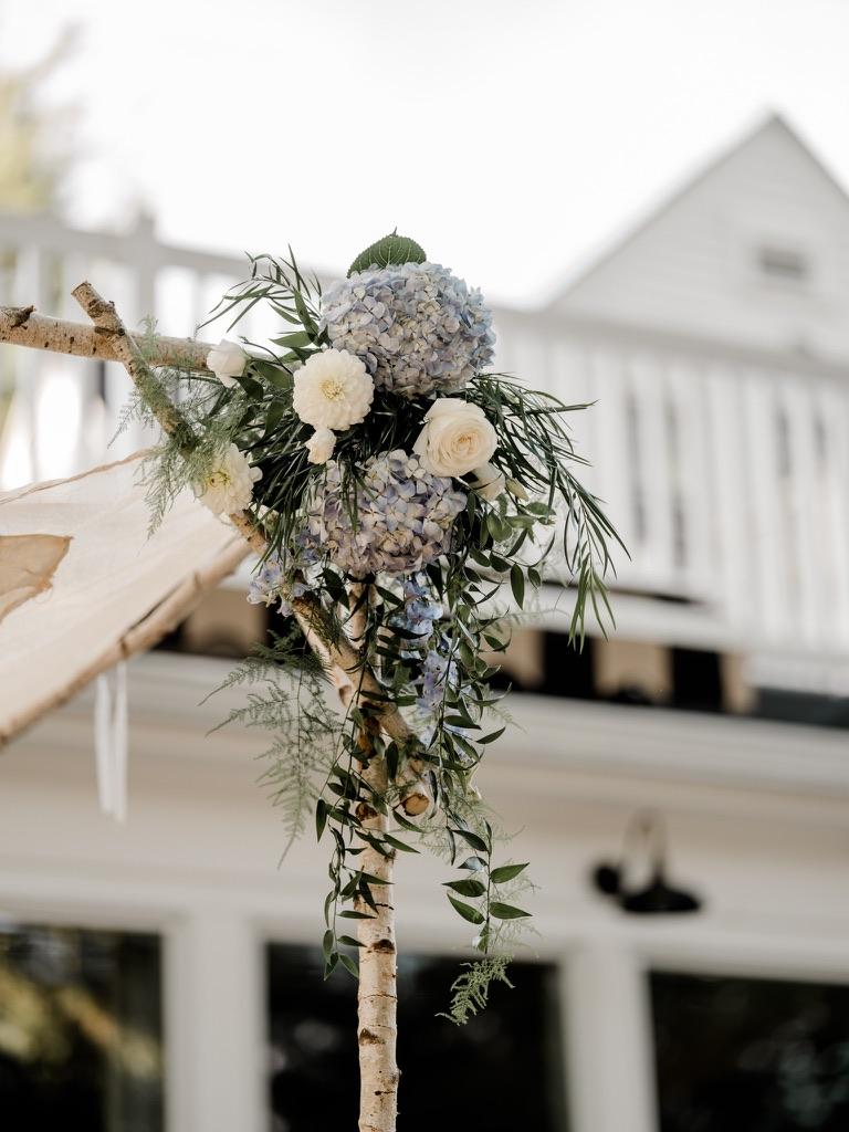 roger-sherman-inn-wedding-flowers-candis-floral-creations-2