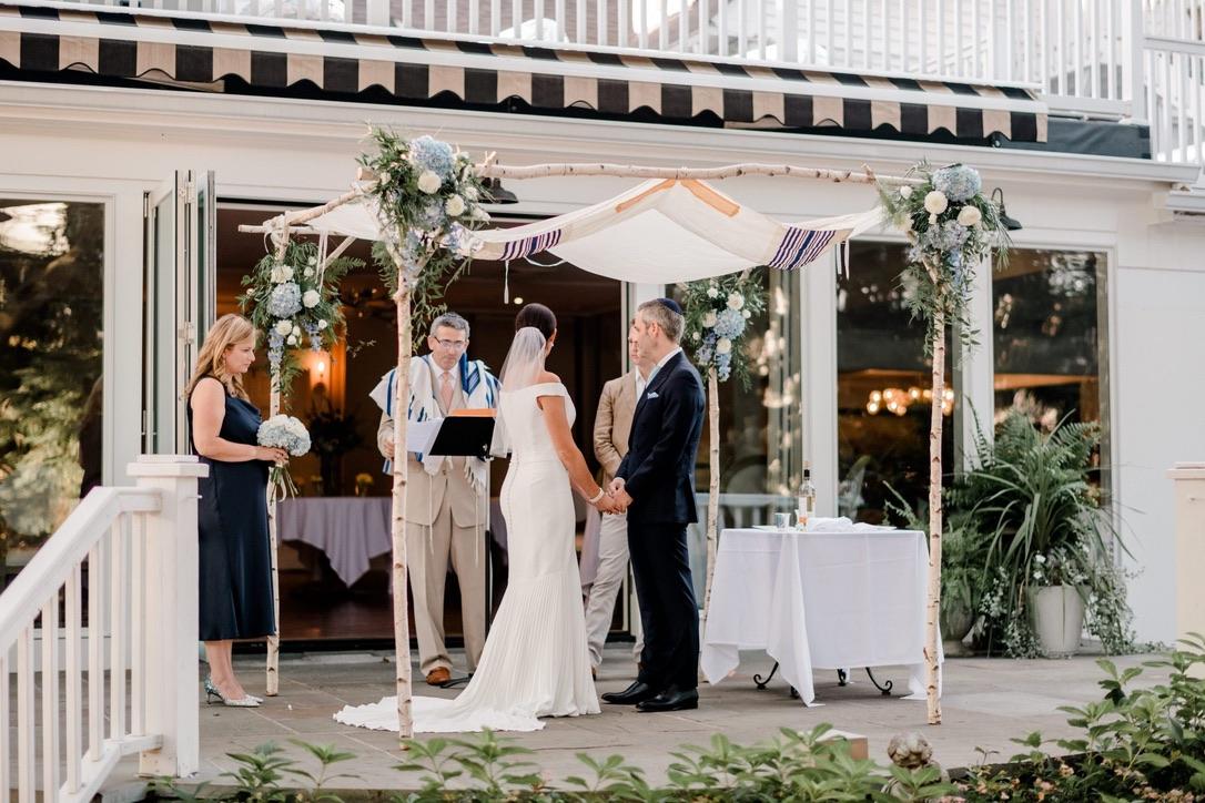 roger-sherman-inn-wedding-flowers-candis-floral-creations-3