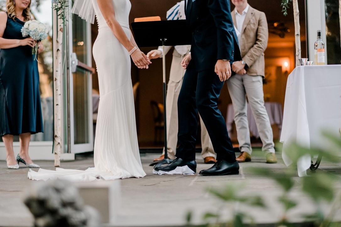 roger-sherman-inn-wedding-flowers-candis-floral-creations-4