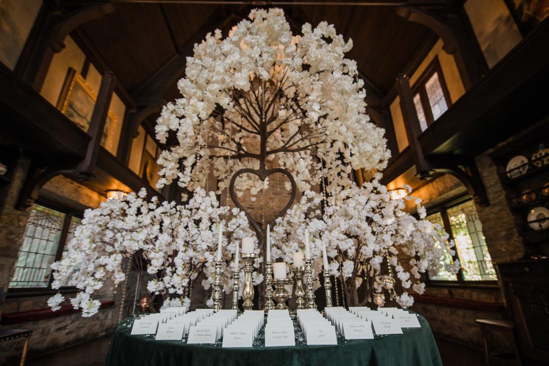 saint-clements-castle-wedding-flowers-candis-floral-creations-15