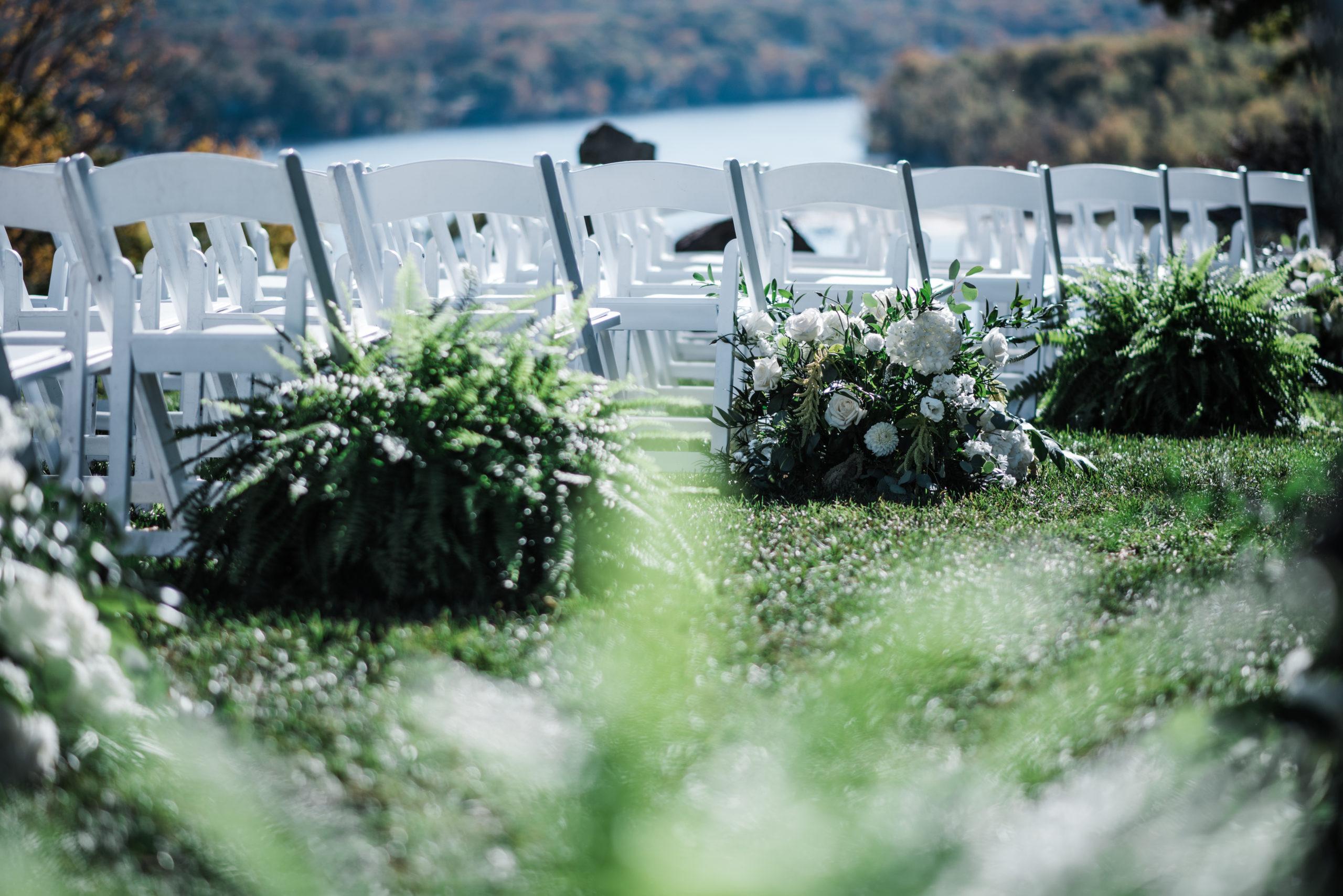 saint-clements-castle-wedding-flowers-candis-floral-creations-4