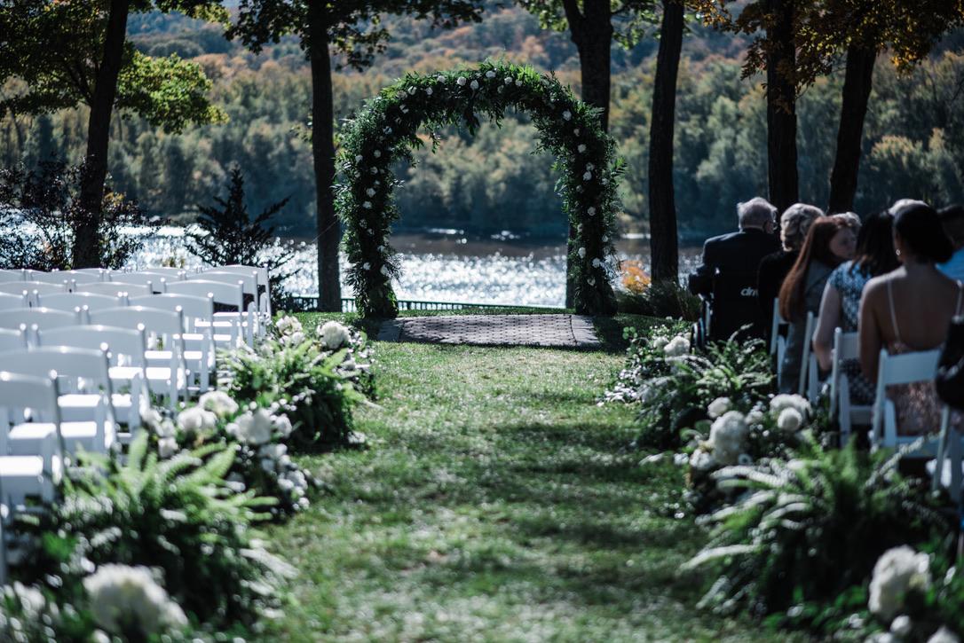 saint-clements-castle-wedding-flowers-candis-floral-creations-5