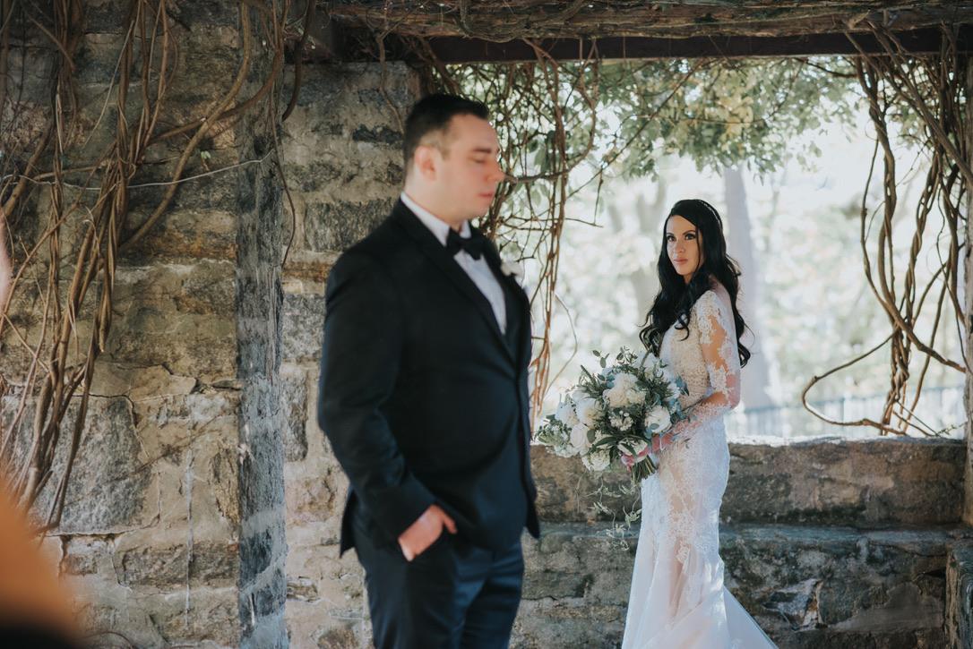 saint-clements-castle-wedding-flowers-candis-floral-creations-9